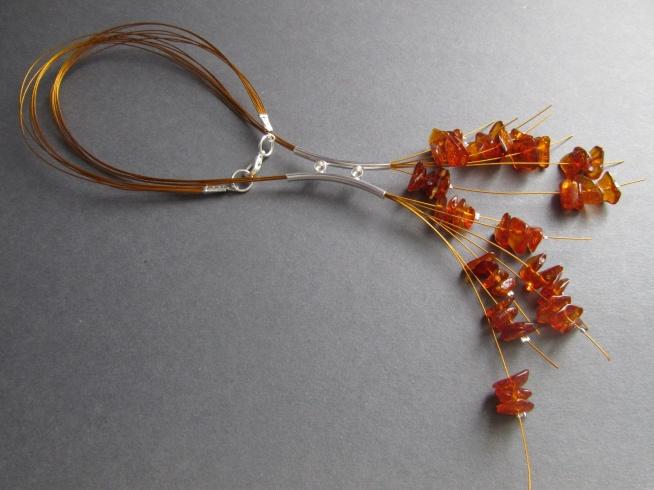 Kurs elegancki naszyjnik z bursztynowej sieczki