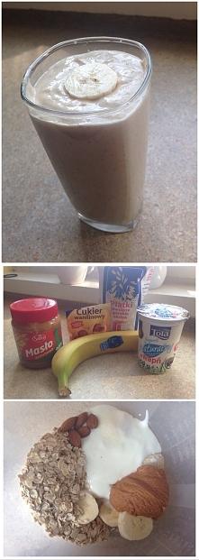pyszny pożywny i sycący na długo koktajl bananowy. na porcje w postaci dużej szklanki ze zdjecia potrzebujesz . 1 banan , 3 lyzki platkow owsianych, 250 ml jogurtu naturalnego ,...