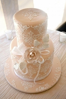 koronkowy tort