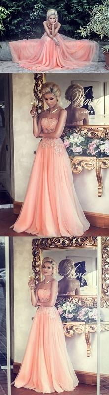 Le Labbra Fashion - suknia na wesele 2015 szyta na miarę zapraszamy lelabbrafashion.com kontakt na lelabbra.fashion@gmail.com