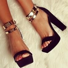 Super sandałki...