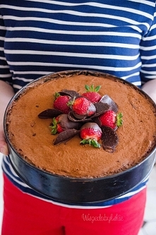 Tort czekoladowo- truskawkowy