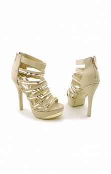 Sandałki na szpilce w pięknym, beżowym odcieniu. Idealnie sprawdzają się na r...