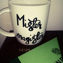 Idealna pamiątka na zakończenie studiów :) oczywiście od HANDY MUG :)