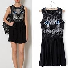 Modna młodzieżowa mini sukienka z nadrukiem CAT FACE - twarz kota, czarna krótka sukienka dla dziewczyn na lato i wiosnę z oczami i pyszczkiem kota. Rozkloszowana krótka dzianin...