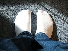 Sposoby na pranie białych skarpetek