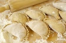 Pierogi ruskie to danie które zawsze gościło i nadal gości na naszym stole. C...