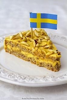 Znany torcik z IKEA. Tårta Mandel - szwedzki torcik migdałowy możesz zrobić już w domu z przepisu z maniapieczenia.com