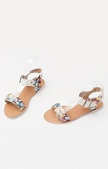Klasyczne sandałki w kwiecistych barwach :) Idealne na letnie spacery!