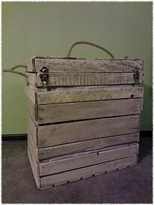 Kufer z naturalnie zużytych...