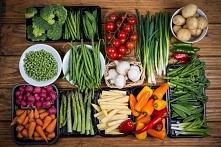 Produkty dające szybkie uczucie sytości. Orzechy Są doskonałym źródłem nienasyconych kwasów tłuszczowych, które regulują metabolizm i zapobiegają gromadzeniu się zbędnej tkanki ...