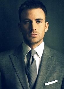 Chris Evans. ♥