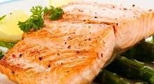 Łosoś grillowany z ryżem i szparagami  Składniki: 100 g fileta z łososia 50 g...