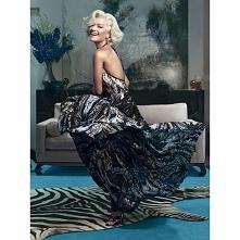 Rita Ora w kampanii Roberto Cavalli zmienia się z piosenkarki w modelkę