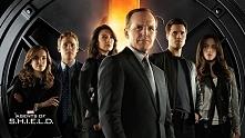 Agenci T.A.R.C.Z.Y. (Serial) Polecam dla tych co lubią Sf :)  Agent Phil Coulson wraca do S.H.I.E.L.D., gdzie dowodzi małym oddziałem świetnie wytrenowanych agentów, którzy zajm...