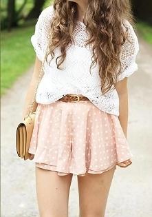 Nie mój styl,ale dziewczyna wygląda ładnie.