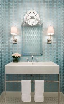 """""""Nigdy nie wieszaj kinkietu ponad lustrem w łazience..."""" Więcej na blogu moojconcept .com"""