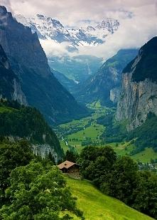 Lauterbrunnen Valley , Szwajcaria
