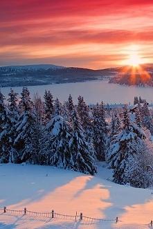 wschód słońca zimą