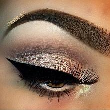 Jak zrobić makijaż eyelinerem, kreska na oku MAKIJAŻE >>