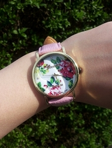 Mój własny! :) Idealny na lato. Uwielbiam zegarki Geneva i podobne!