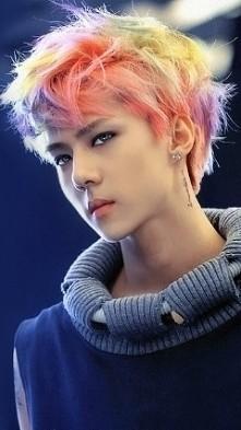 ~EXO~ Sehun. tęsknię za jego tęczowymi włosami ;;