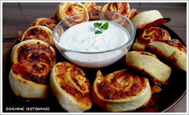 Przekąski Na Imprezę Pizza Rolls Na Kuchnia Zszywkapl