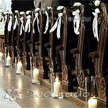 lampiony w kościele