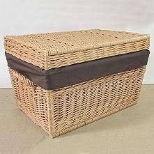 Wiklinowy kufer - skrzynia z materiałowym wkładem. Kosz o szerokości 60 cm