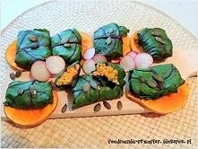 gołąbki jaglane w liściach botwinki