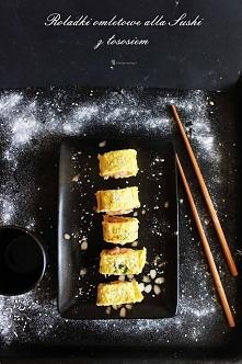 Dietetyczne Roladki omletowe alla Sushi z łososiem i sezamem; po przepis klik...