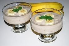 2 szklanki mleka 4 łyżki kaszy manny 3 łyżki cukru ( lub według własnego uzna...