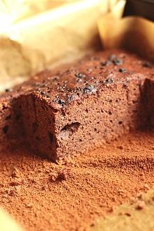 Ambasador z orzechówką  Składniki:  2 szklanki cukru (400g) 5 łyżek kakao (50g) półtorej szklanki mleka 3,2% (375ml) kostka mas  link po kliknięciu na zdjęcie :)