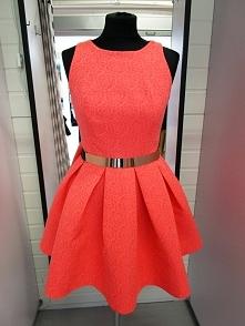 Sukienka rozkloszowana koralowa