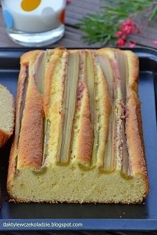 Ciasto z łodygami rabarbaru...