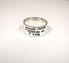 Jaki pierścionek, taka księ...