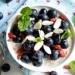 Poznaj zestaw najlepszych śniadań które możesz przygotować dzień wcześniej. Wysoko białkowe, błonnik, dobre węglowodany i dobre tłuszcze wspomagające odchudzanie.