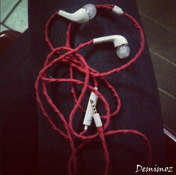 Słuchawki oplecione muliną ;) Mniej się plączą! fb