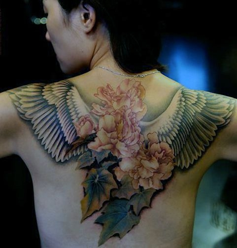 Tatuaże Damskie Skrzydła I Kwiaty Na Tatuaże Zszywkapl