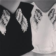 Czarna czy biała? Artistic Clothes