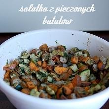 sałatka z cukinii, kabanosów i batatów - prosta, bez glutenu, nabiału, sosu - kliknij w zdjęcie po przepis! :)