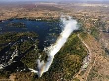 Wodospady Wiktorii - Zambia/Zimbabwe Wodospady Wiktorii na rzece Zambezi to n...