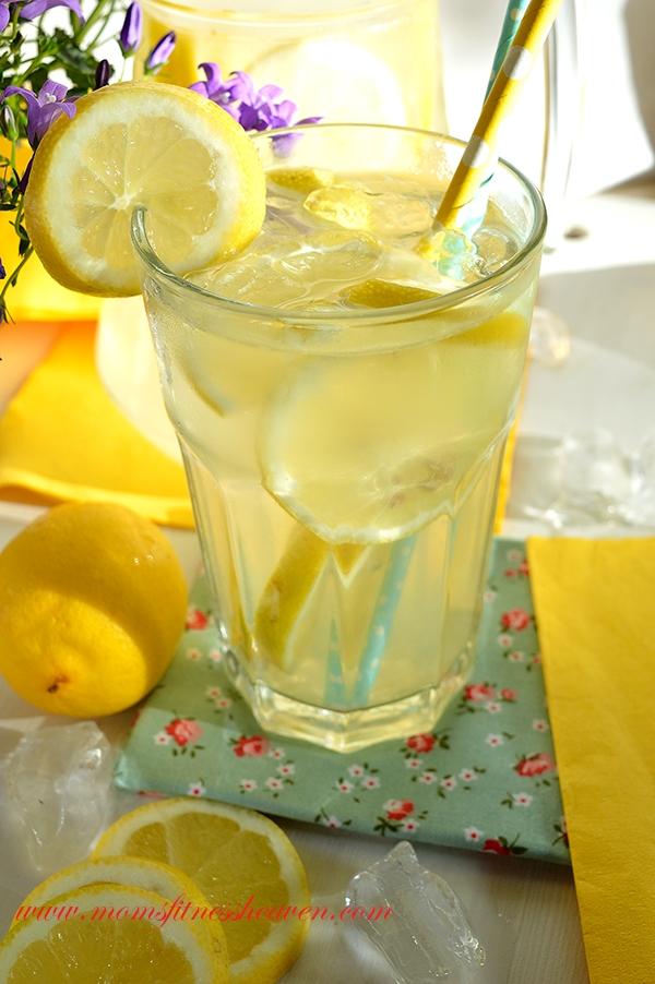 Na letnie gorące dni dla ochłody lemoniada. Szybka, łatwa, pyszna.