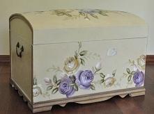 Kufer Malowany w Kwiaty