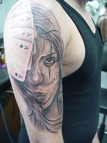 tatuaże męskie karty i kobieta
