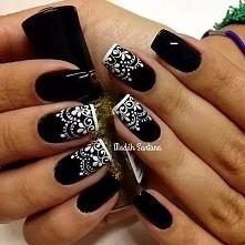czarne z białą koronką