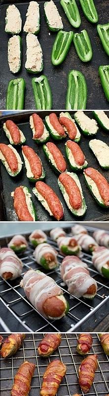 pod kiełbaskę kładziemy serek kremowy wymieszany z tartym żółtym serem i przyprawami (pieprz, papryka)