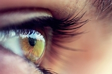 Twój wzrok jest niczym seryjny zabójca.