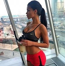 Już po codziennym zestawie ćwiczeń :) Natalia Gacka trening a1,brzuch a,uda i...