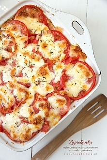 Zapiekanka z ryżem, młodą kapustą, pysznymi gruntowymi pomidorami z mozzarellą i tymiankiem. Wegetariański obiad, ale smakuje również mięsożercom :) Świetnie się sprawdzi jako d...